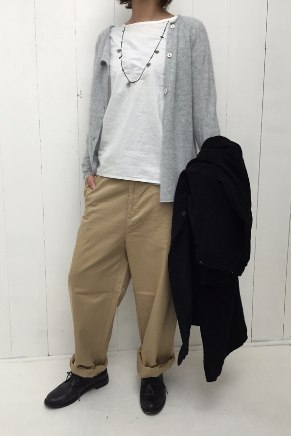 キャリコ ネックレスプルオーバー × ANONYMOUS CHINO PANTS style