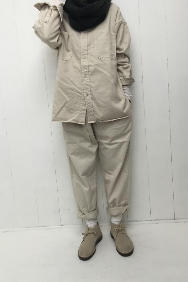 オーバーサイズシャツ × タックテーパードパンツ style