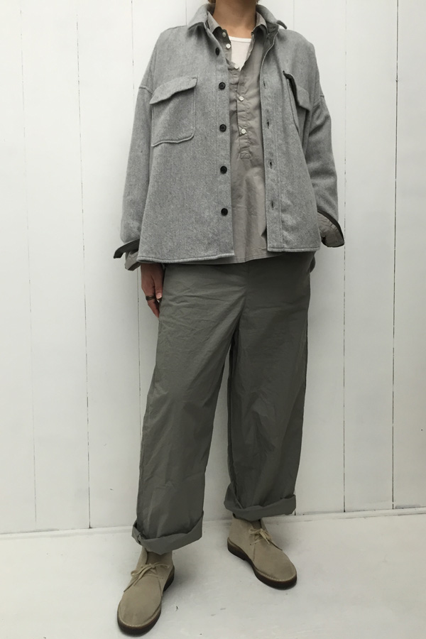ビッグCPOシャツ × 平ダンプ ワイドパンツ style