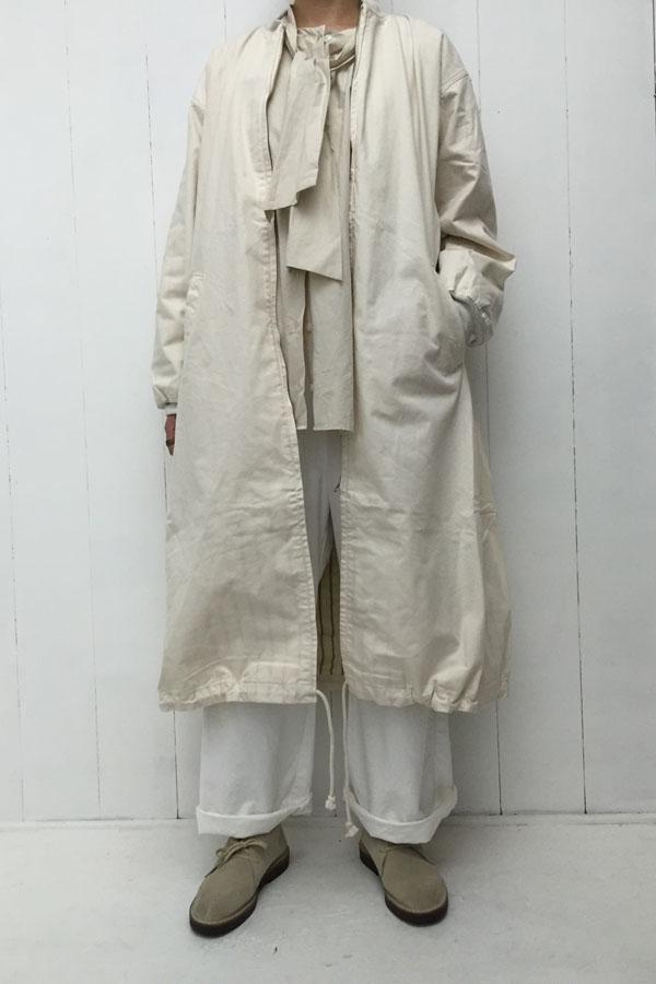 ボウタイ ブラウス × オーバーコート style