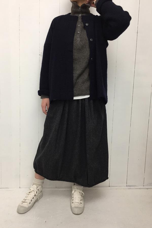 ギャザースカート × 圧縮wool ジャケット style