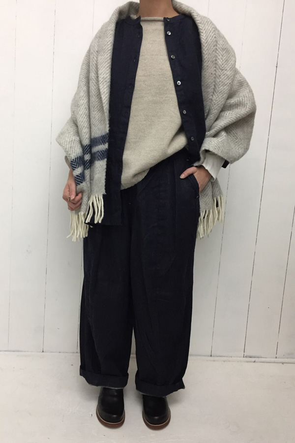 ノーカラーシャツジャケット × ラムモヘア ベスト style