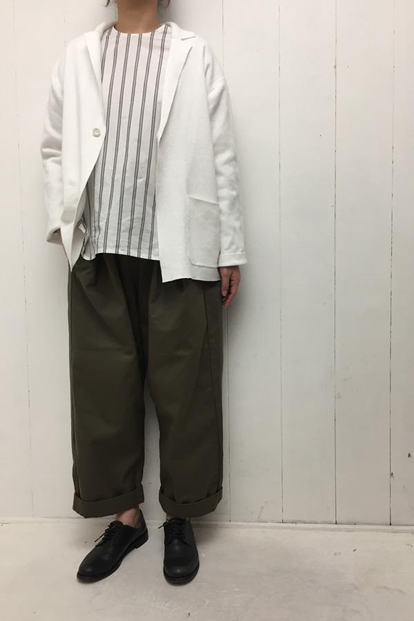 daily cotton カーデジャケット × ストライプ ブラウス style