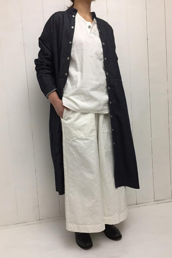 Indigo like denim シャツコート × ヘンリーネックシャツ style