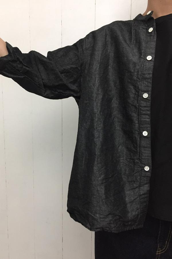 スタンドカラーAラインシャツ × コットンリネンデニム パンツ style