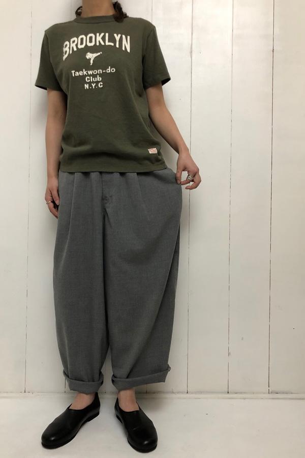USED・Tシャツ × ワイドエッグロングパンツ style