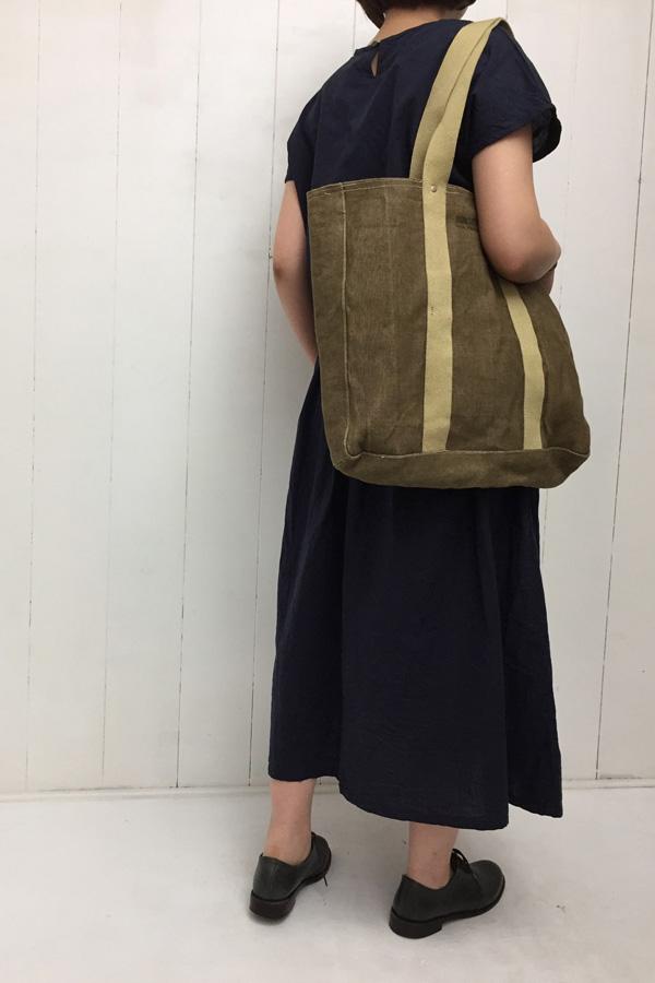 キャンブリック ワンピース × OUTDOOR TOTE style