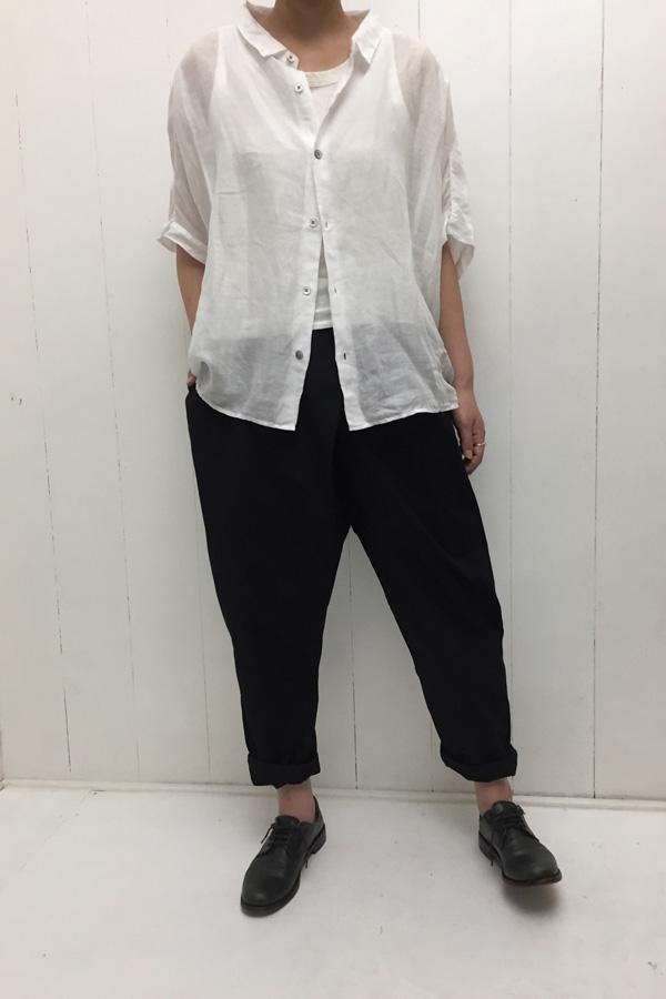 レギュラーカラービッグシャツ × TWIST PANTS style