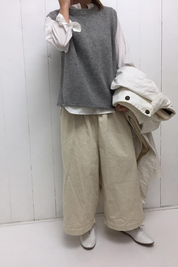 チノ コート × ラムウール ベスト style