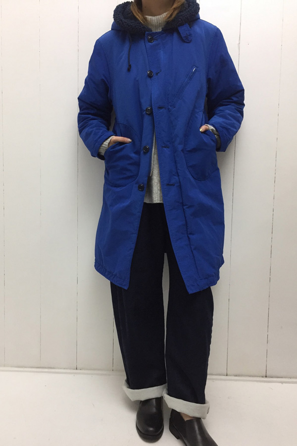 フード デッキコート × タックワイドパンツ style
