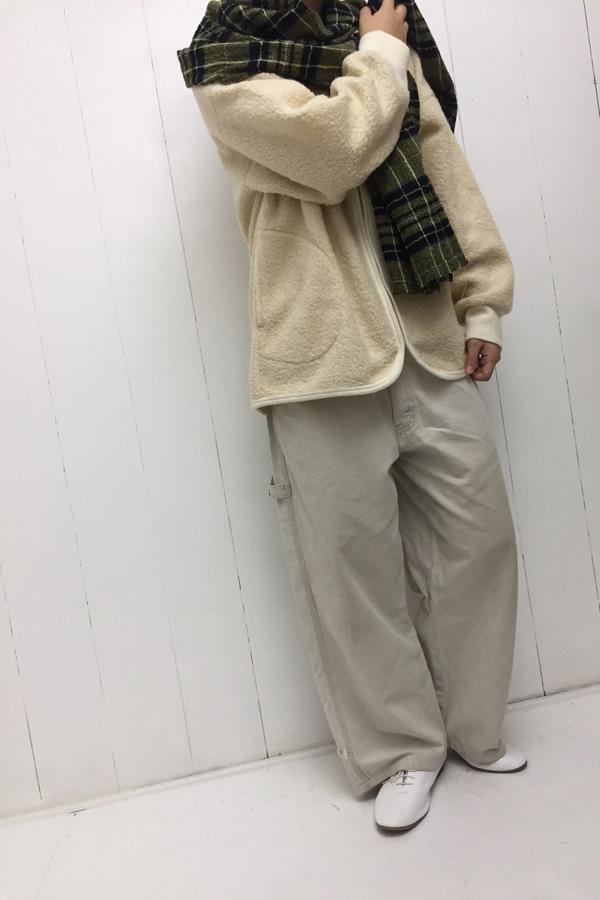 Vネック ZIPカーディガン × タータンチェック ストール style