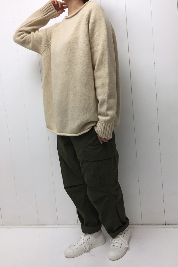 ウールニット プルオーバー × CARGO PANTS style