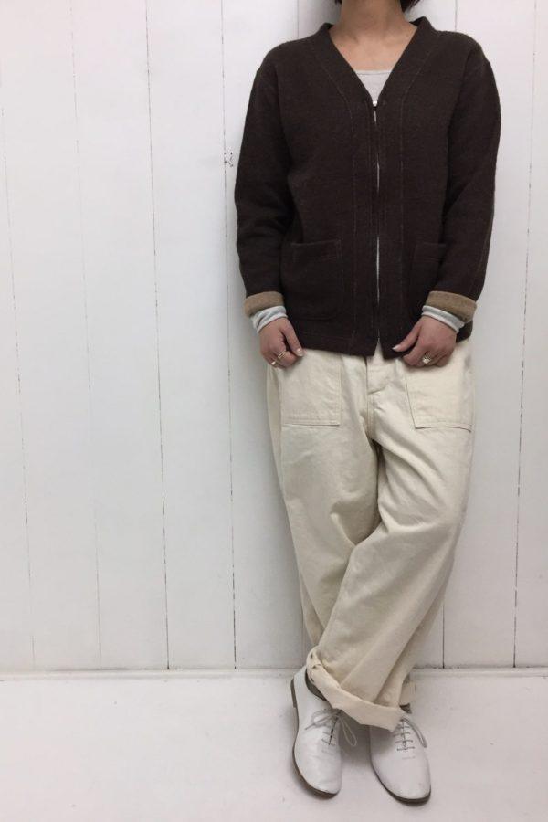 ジップアップカーディガン × JAMES PANTS style