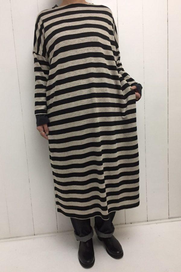 BORDER DRESS style