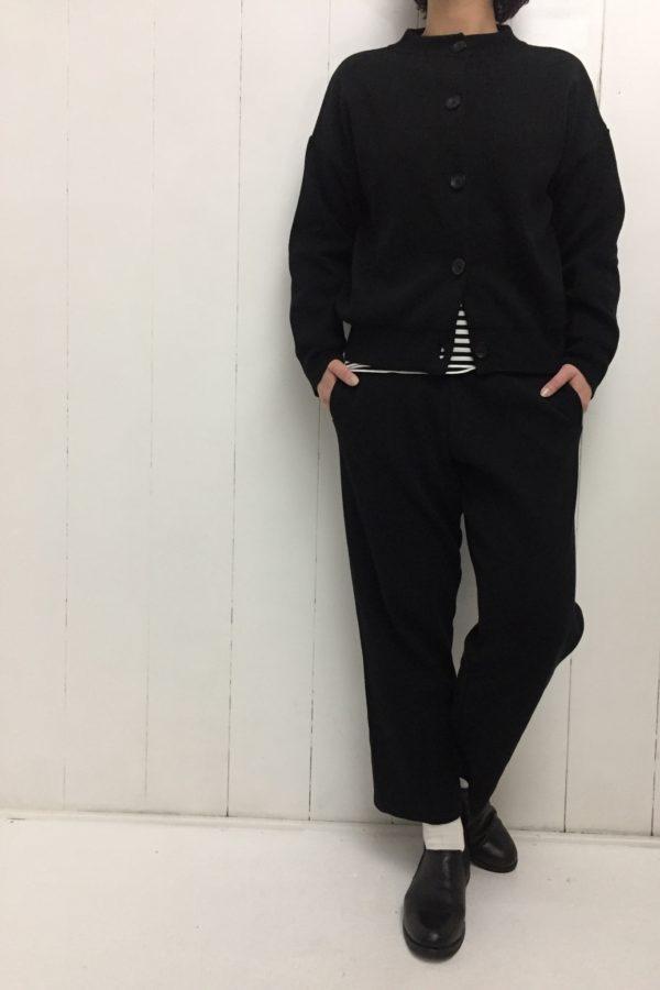 ニット カーディガン × ニットパンツ セットアップ style
