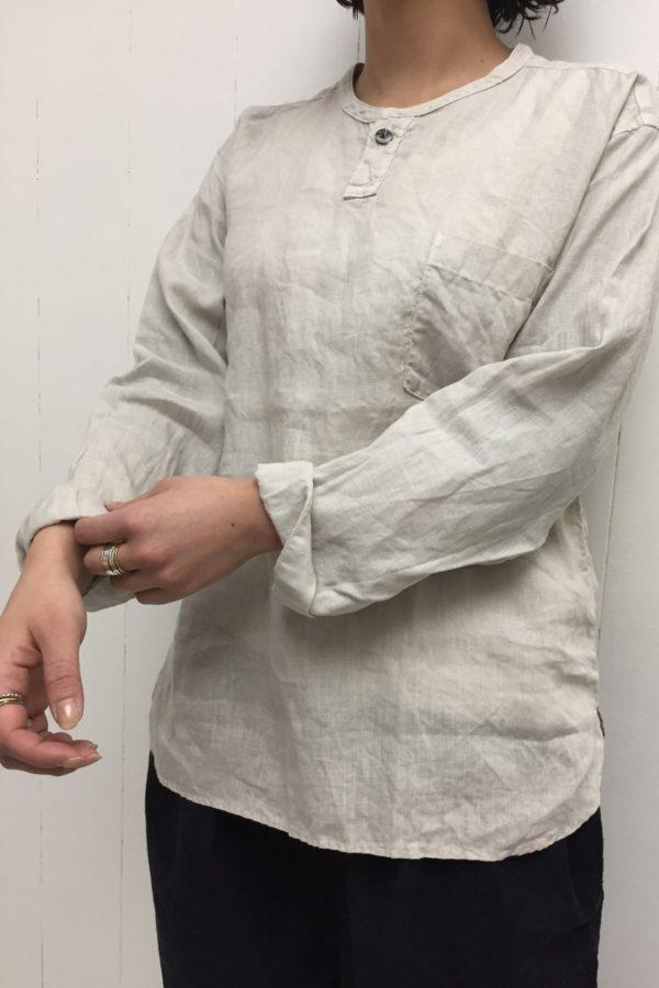 リネン平織 ヘンリーネックシャツ × NARROW BALL PANTS style