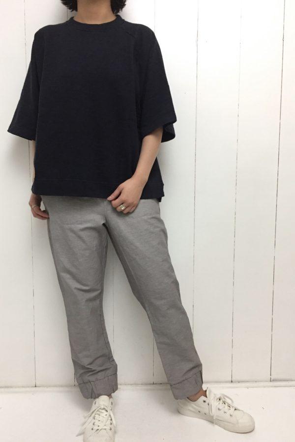 mini裏毛 ビッグプルオーバー × 裾ゴムパンツ style