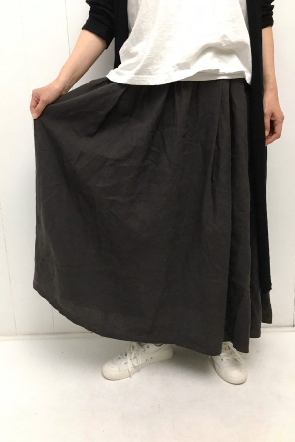 """""""high 5"""" Tシャツ × マキシ丈スカート style"""