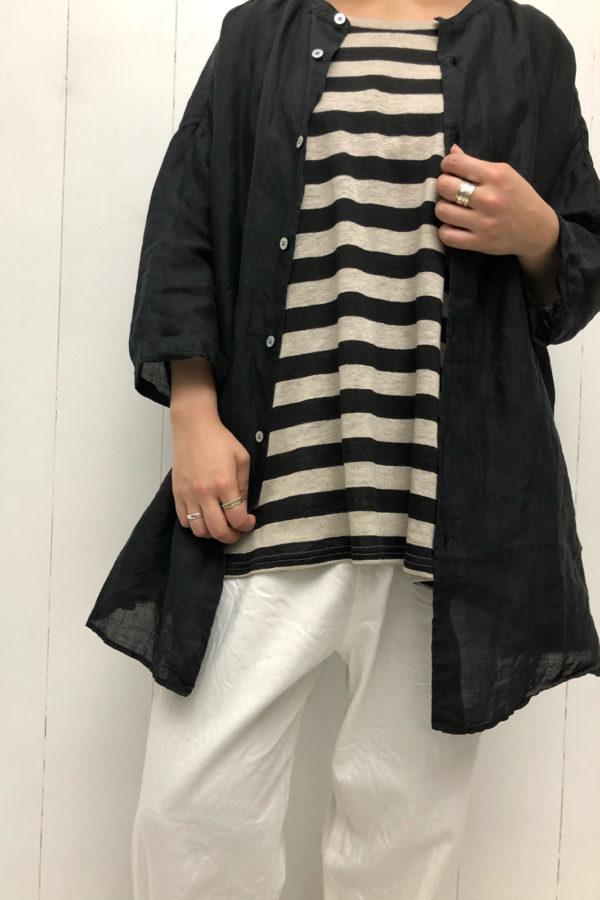 ラウンドヘム オーバーサイズシャツ × SLEEVELESS PULLOVER style