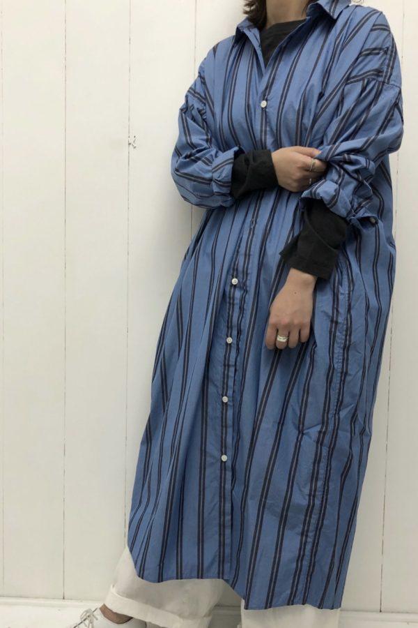 ストライプ ビッグシャツワンピース × ライトオンスデニム イージーパンツ style