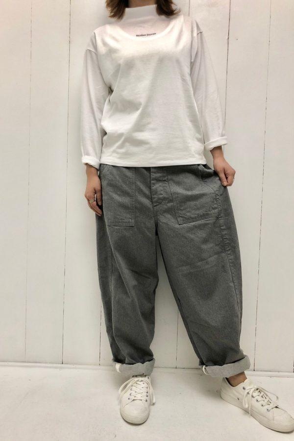 長袖ロゴT × JAMES PANTS style