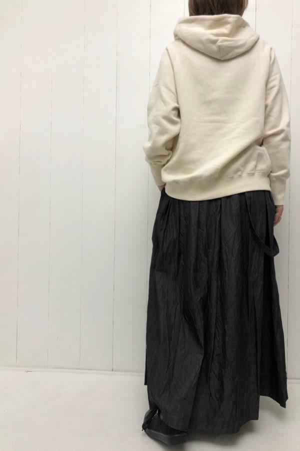 ラグランスリーブ フードプルオーバー × ワンショルダー ロングスカート style