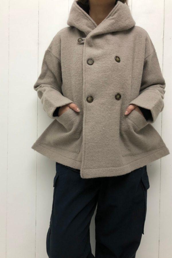 圧縮ウール フードジャケット × フィールドパンツ style