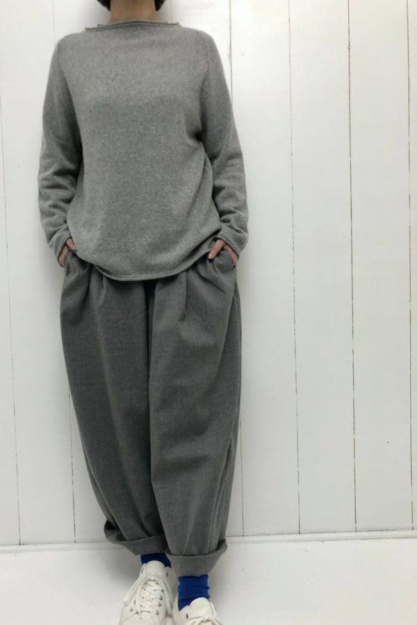 ラグランプルオーバー × ワイドエッグロングパンツ style