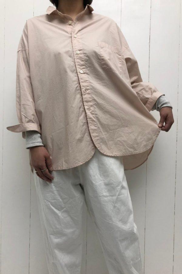 レギュラーカラーワイドシャツ × ツイル イージーパンツ style