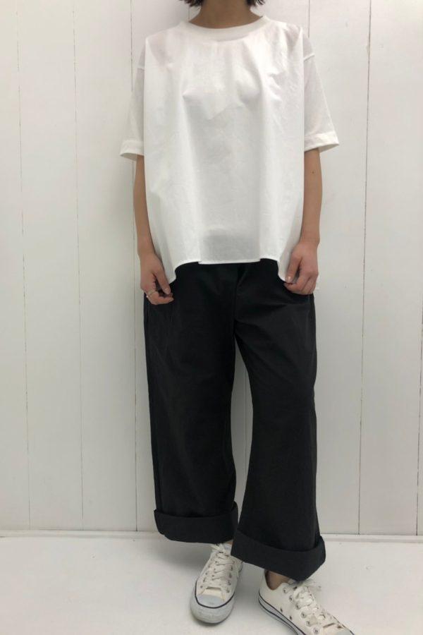 AラインTシャツ × アトリエパンツ style