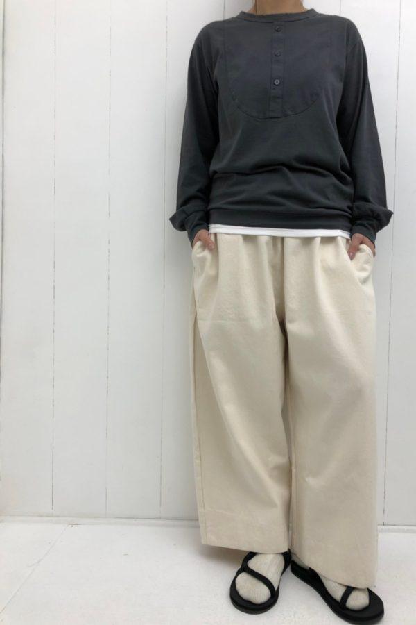 ブザムカットプルオーバー × DENIM VOLUME PANTS style