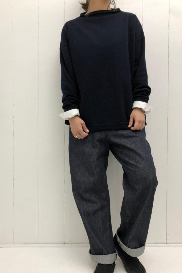 サイド釦ボトルネックプルオーバー × リラックスパンツ style