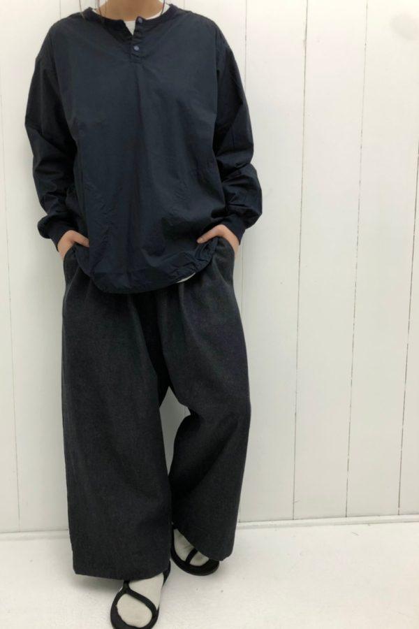 PULLOVER SHIRTS × DENIM VOLUME PANTS style
