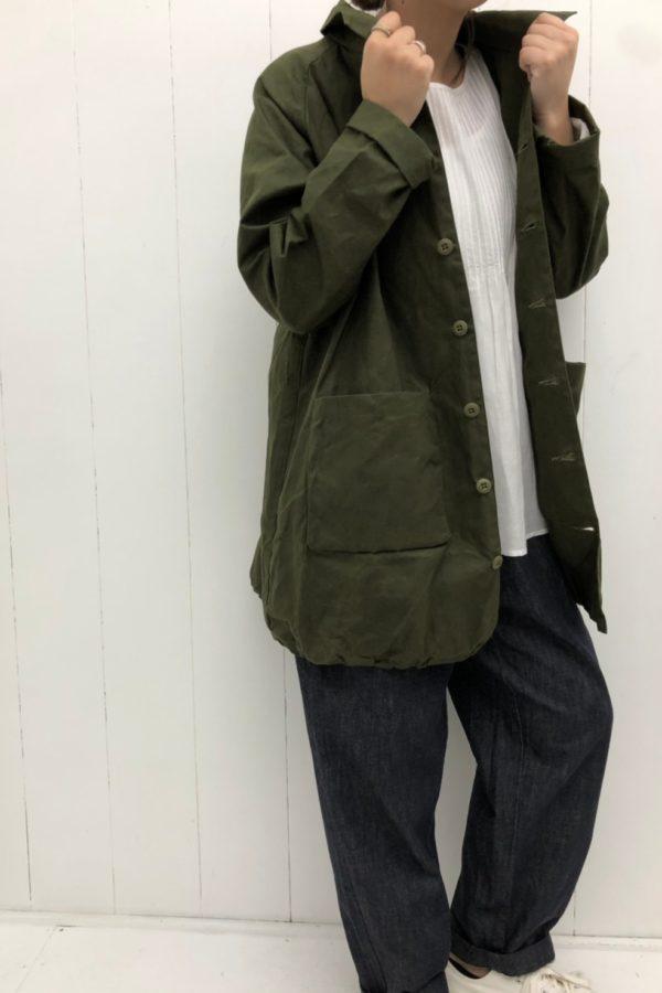 WORK SHIRTS COAT × ピンタックブラウス style