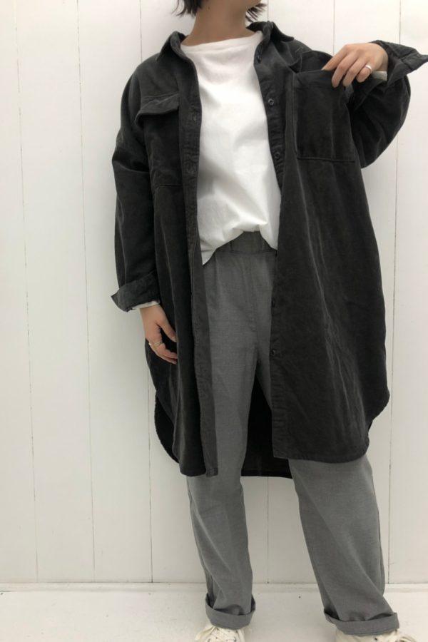 コーデュロイ ワイドロングシャツジャケット × RELAX TROUSER PANTS style
