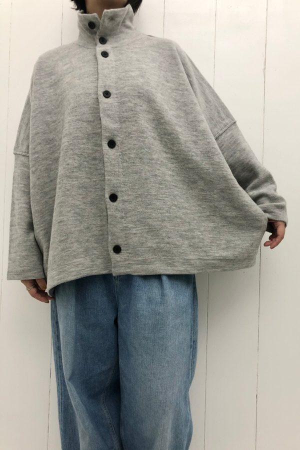 縮絨ニット ジャケット × セルヴィッチデニム ワイドタックパンツ style